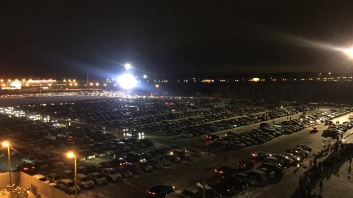 Водители на ЕКАД застряли в огромной пробке из-за концерта Стинга
