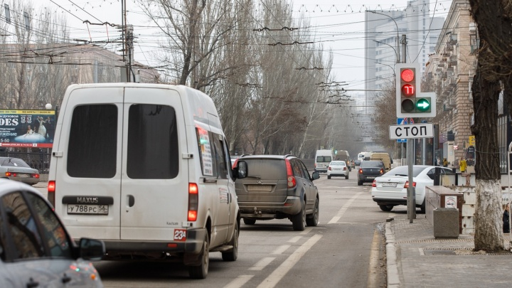 «Безопасный регион» объяснил, как проезжать опасный перекресток на Комсомольской