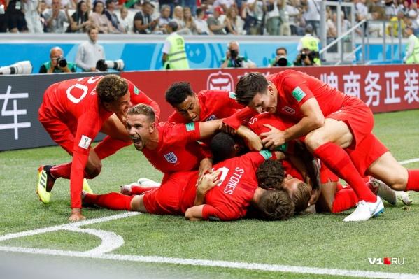 Звёзды английской сборной свои майки пока не прислали