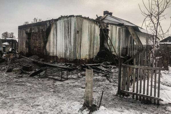 В сгоревшем доме жили шестеро детей