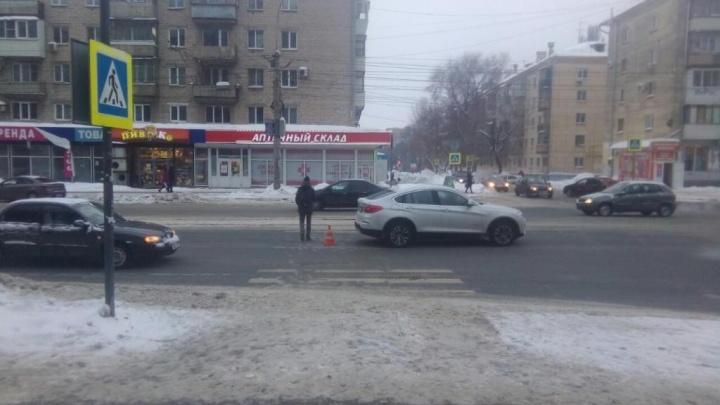 На улице Победы пенсионер на BMW сбил женщину на пешеходном переходе
