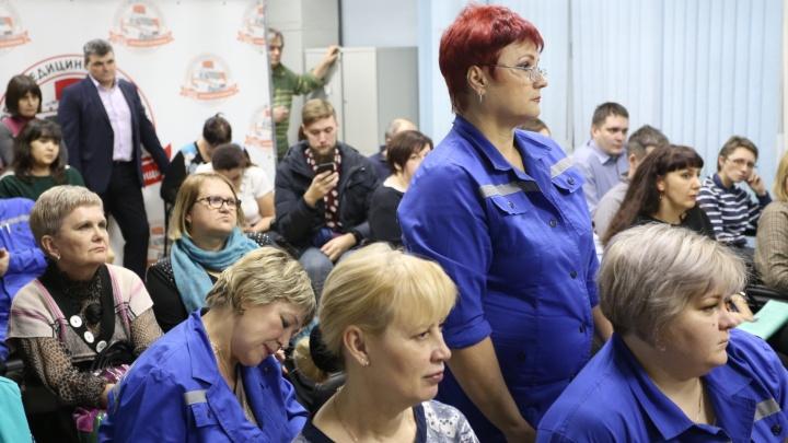 Наболело! Руководство здравоохранения обсудило с врачами челябинской скорой их зарплаты. И не только