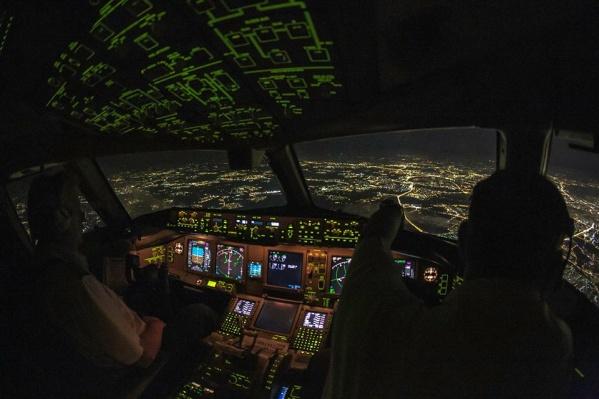 Летчик Леха в ночь на субботу сделал над Екатеринбургом 17 кругов