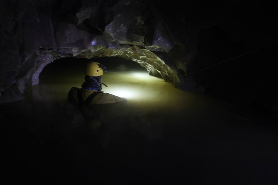 Судя по странице Дмитрия в соцсети, он опытный дайвер и регулярно совершал погружения, в том числе и в пещеры