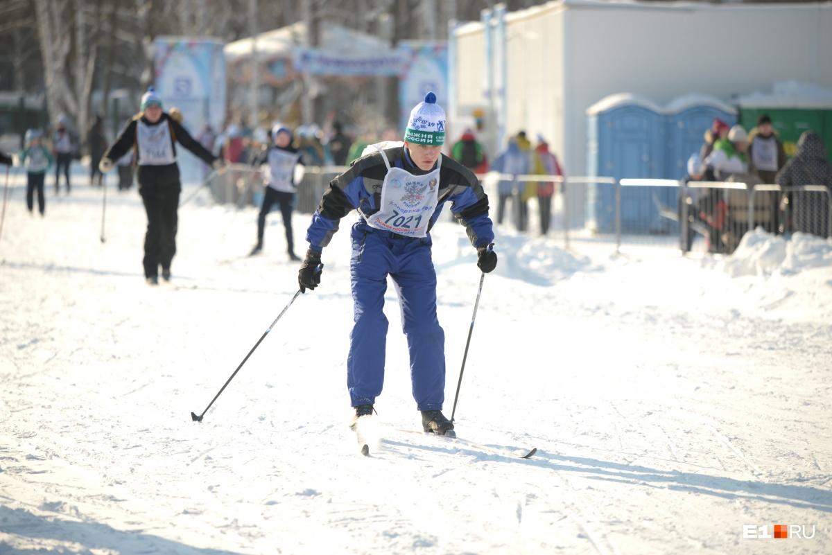 Опытные лыжники быстро добежали до финиша