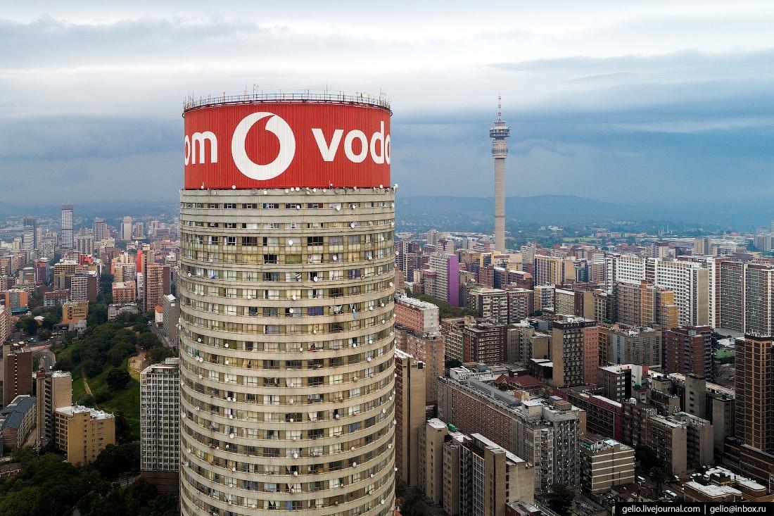 В 2007 году небоскрёб реконструировали