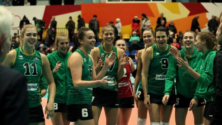 Волейболистки «Уралочки» начали новый год с победы на Дальнем Востоке