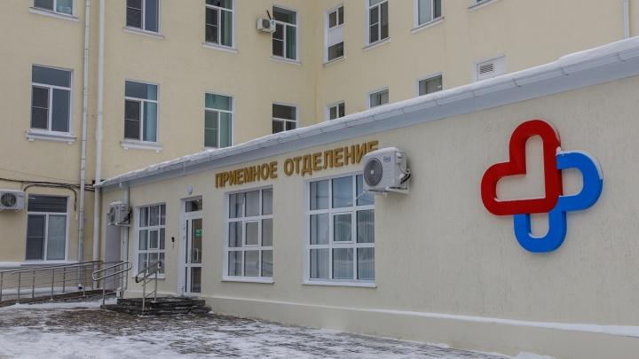 Опоздали на полгода: ремонтники заплатят 250 тысяч рублей за срыв ремонта больницы №7 Волгограда