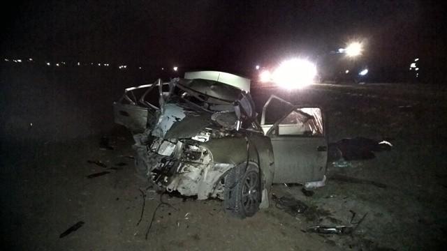 На Тюменском тракте в ДТП погиб пассажир иномарки из-за того, что её водитель хотел обогнать грузовик
