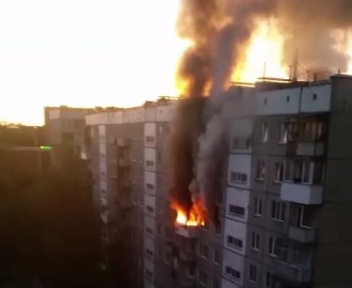 Стёкла взрывались: вспыхнула квартира в девятиэтажке на Адриена Лежена