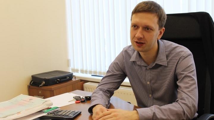«Напали со спины и пинали ногами»: в Екатеринбурге подростки избили топ-менеджера крупного банка