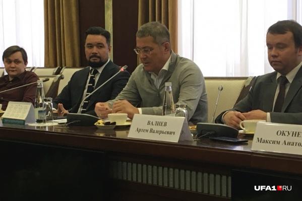 Радий Хабиров собрал за круглым столом редакторов крупнейших республиканских СМИ