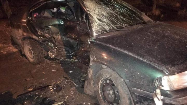 «Машину резко развернуло и выбросило на встречку»: в Ярославле в ДТП пострадал мужчина