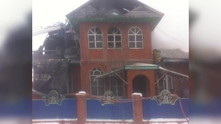 Семья с семью детьми чудом спаслась из пожара