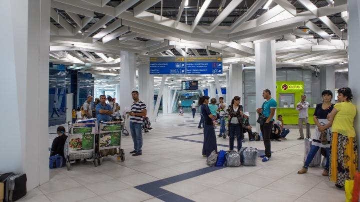 В Толмачёво на 11 часов задержали вылет рейса вТаиланд