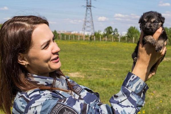 Татьяна Биндусова спасла щенят, когда гуляла со своей собакой