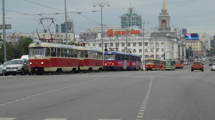 «Сочетание низкой зарплаты и большой ответственности»: рассказ водителя трамвая о своей работе
