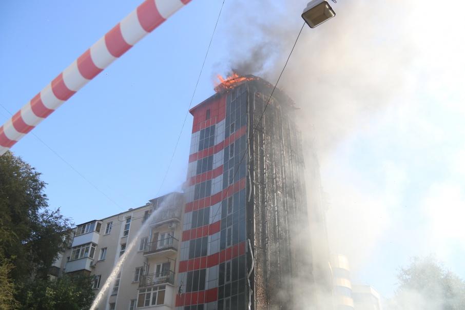 Здание было обшито горючими материалами