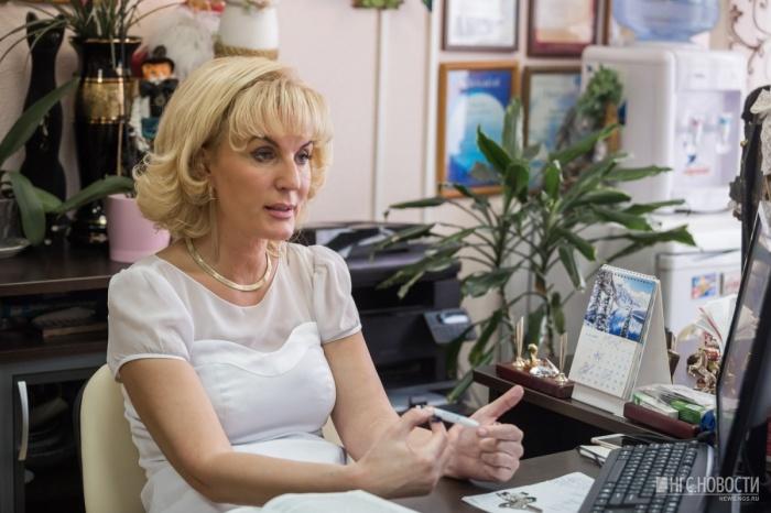 Анжелла Фурсова получила награду от президента. Фото Ольги Бурлаковой