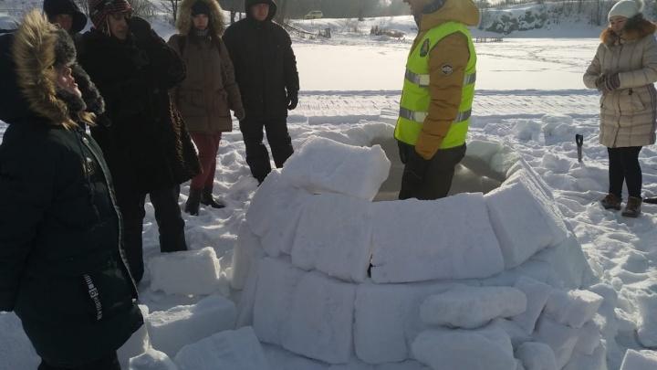 Новосибирцы собрались у карьера на Горской, чтобы научиться строить дома из снега