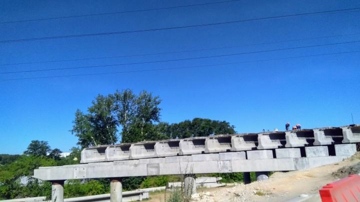 «Работает бригада из 25 человек»: власти Челябинска назвали срок сдачи моста на Троицком тракте