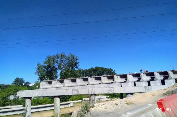 Строительство данной развязки вызвало немало споров среди челябинцев и чиновников