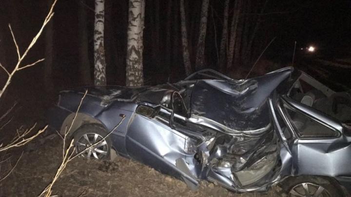 Водитель иномарки разбился на трассе в Башкирии