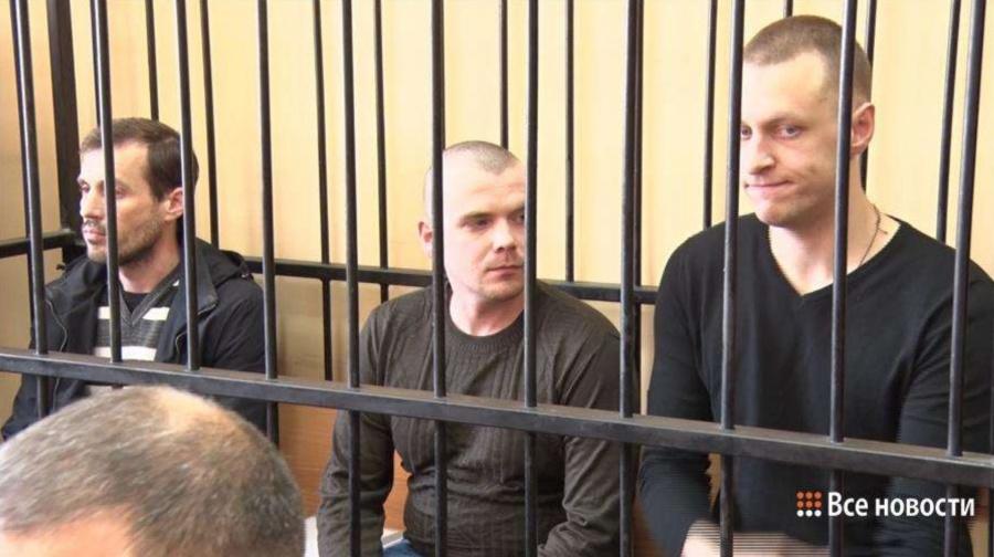Оперативники Ялунин, Панов и Быков не признают своей вины и говорят, что Головко избили еще во время задержания