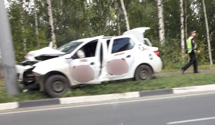 «Такси всмятку»: очевидцы рассказали о ДТП на Полушкиной роще