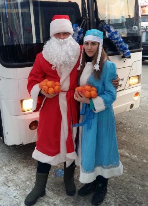 Новогоднюю акцию провёл экипаж маршрута №60