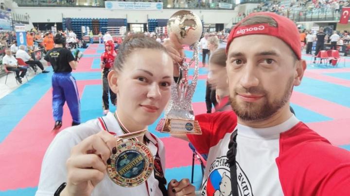 Сибирячка взяла золото на Кубке мира по кикбоксингу в Италии