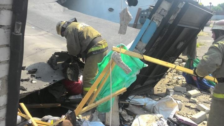Владельца взорвавшегося в Омске гаража доставили в ожоговый центр