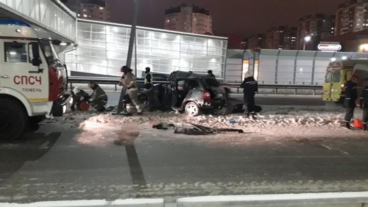 На Федюнинского лоб в лоб столкнулись два автомобиля. Есть погибший