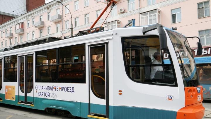 В Перми возле Центрального рынка в трамвае умер пассажир