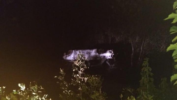 Вылетела в кювет и вспыхнула: женщина сгорела в своей машине под Волгоградом