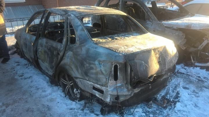 В Перми у координатора «Левого фронта» сгорел автомобиль. Активисты считают, что это был поджог