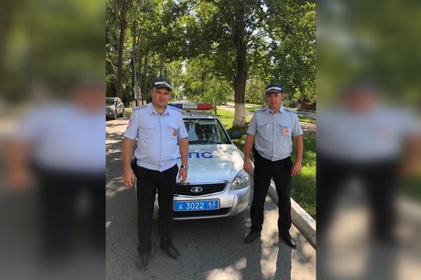 Сергей Рябов (слева) и Андрей Садчиков не смогли пройти мимо чужой беды
