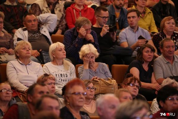Большинство судьбоносных для Челябинска публичных слушаний проводят днём по четвергам