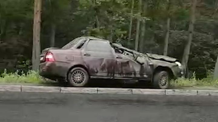 «Машина в хлам»: в Челябинске на недавно заасфальтированной дороге у плотины произошла авария