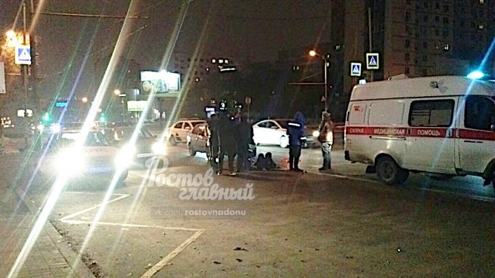 В Ростове легковушка сбила пенсионера рядом с пешеходным переходом