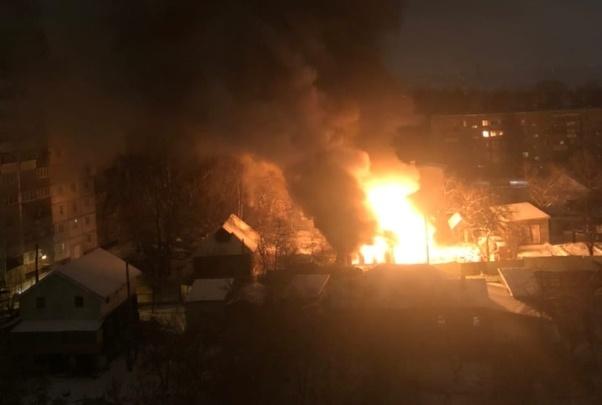 Видео дня: жилой дом на улице Грубе сгорел дотла сегодня ночью