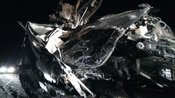 Водителя выбросило на гараж: в Башкирии произошло смертельное ДТП