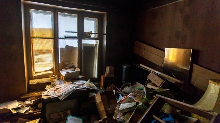 «Мы ждали чего-то подобного»: в Волгограде сгорела квартира бывшего преподавателя Серебряковки