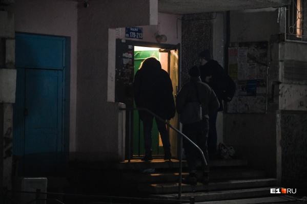Друзья Березкина пытались запретить журналистам снимать пострадавшего