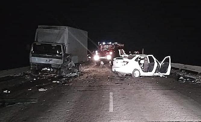 В Башкирии в столкновении грузовика Mitsubishi и «Лады-Гранты» погиб человек, еще двое пострадали