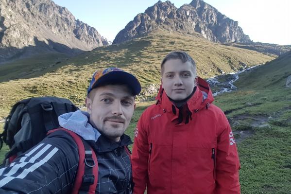 Роман Разуваев (на фото слева) этим летом вместе с племянникомМаксимом Новожиловым отправились в Тянь-Шань, чтобы провести в горах несколько дней