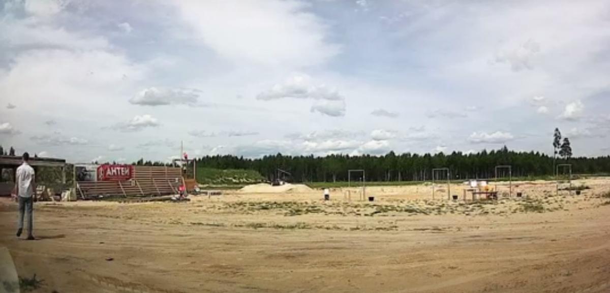 Запись сделана на территории стрелкового клуба «Антей» примерно в 5 км от взрыва