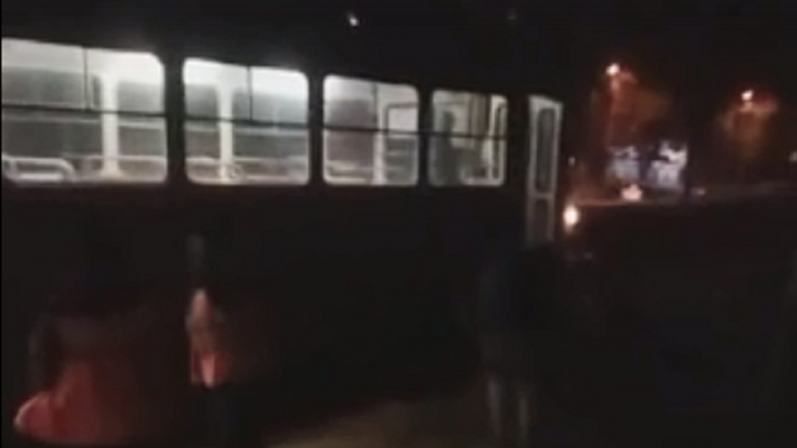 «Увезли на скорой»: волгоградка попала под трамвай