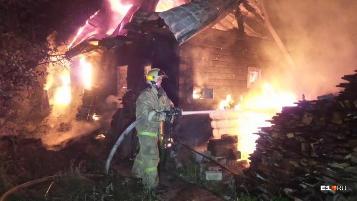 Быстро потушить пожар мешала удаленность пожарных водоемов
