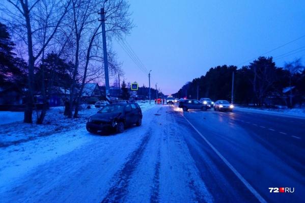Авария под Боровским произошла в семь часов утра. Предположительно, подростки спешили на учебу, но дороги переходили по правилам